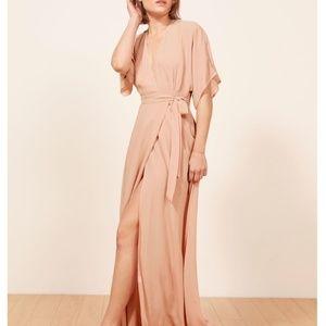Bella!!NWOT Reformation Winslow Maxi Dress - Blush